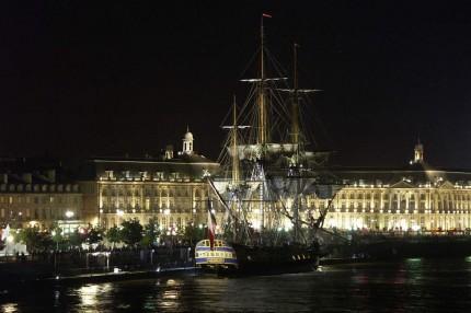 L'Hermione sous les lumières de Bordeaux