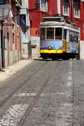 Tramway 28 vers le jardin d'Estrela
